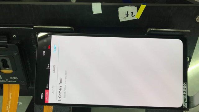 Um dos modelos do Galaxy S10 foi partilhado no Facebook