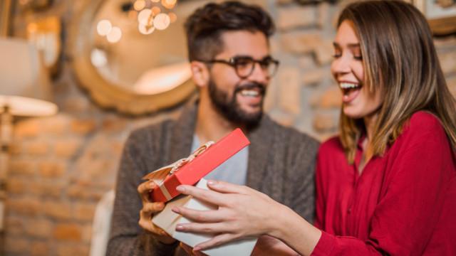 A FNAC tem 10 sugestões low cost para presentear o amigo secreto
