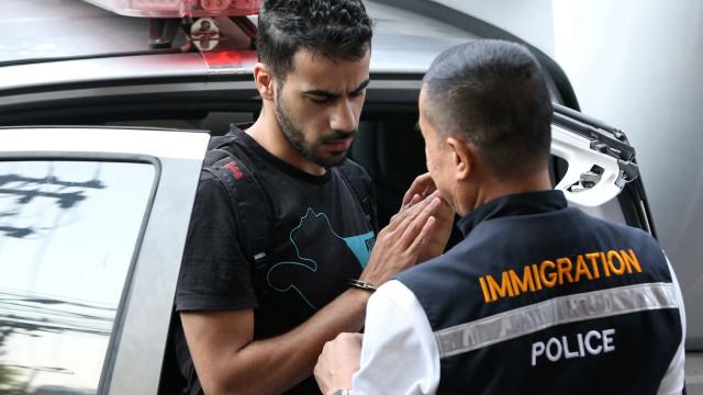 Futebolista do Bahrein continuará detido na Tailândia por risco de fuga