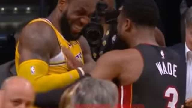 LeBron impediu triplo de Wade e o momento que se seguiu foi incrível