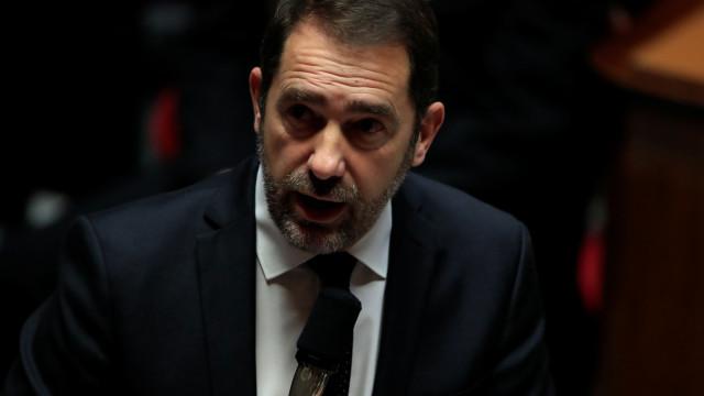 """Ministro francês apela ao """"respeito pelo direito"""" após incidentes"""
