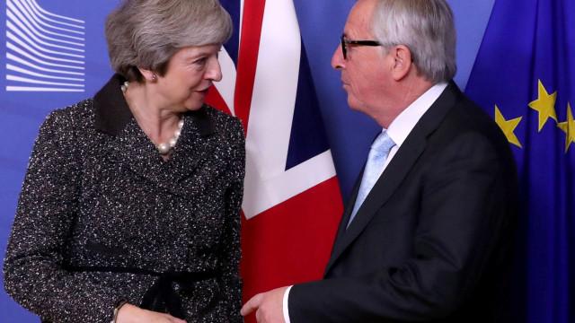 """""""Esclarecimentos adicionais são possíveis"""", diz Theresa May sobre Brexit"""
