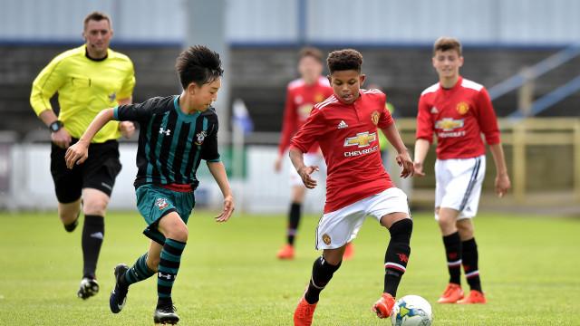 Histórico: United lança jogador de 14 anos na UEFA Youth League