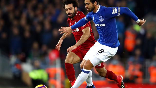 André Gomes encanta no Everton e o Tottenham já está de olho no português
