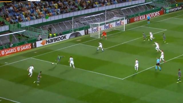 Mané não controlou a bola, mas Montero 'chamou-lhe um figo' e marcou