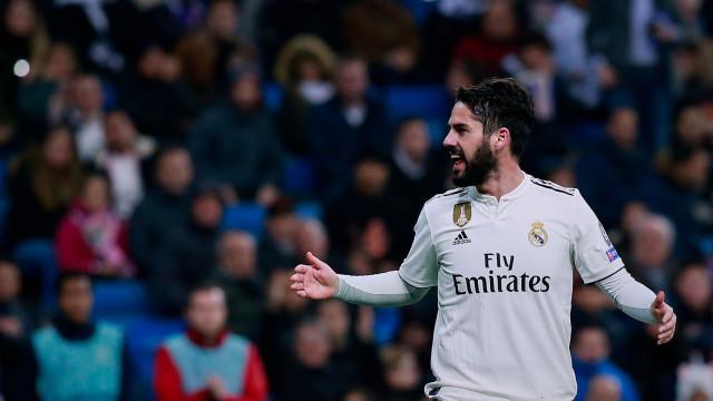Novela em torno de Isco continua: Espanhol tem um pé fora do Real Madrid