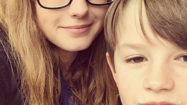 Menino de oito anos assume controlo de carro após mãe sofrer convulsão