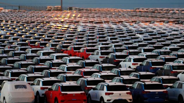 As imagens do 'mar de carros' parados pela greve dos estivadores