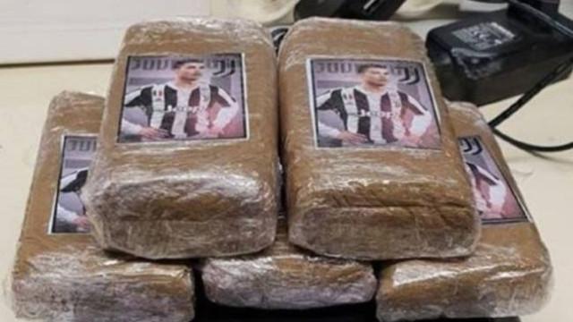 Polícia francesa apreende droga com imagem invulgar... de Ronaldo