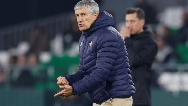 Real Betis dá voto de confiança ao treinador de William Carvalho