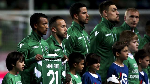 Sporting 'entra em campo' com uma mensagem para Nuno Pinto