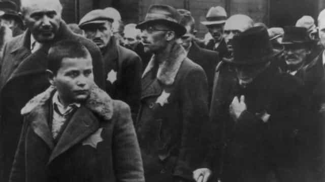 Alemanha indemniza sobreviventes do nazismo retirados do país em crianças