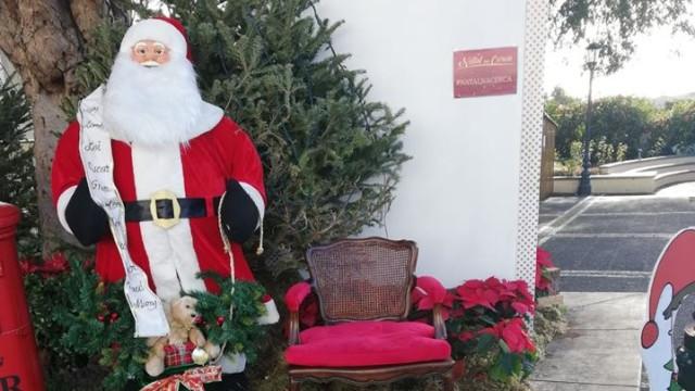 Ladrão arrependido devolve cadeira do Pai Natal