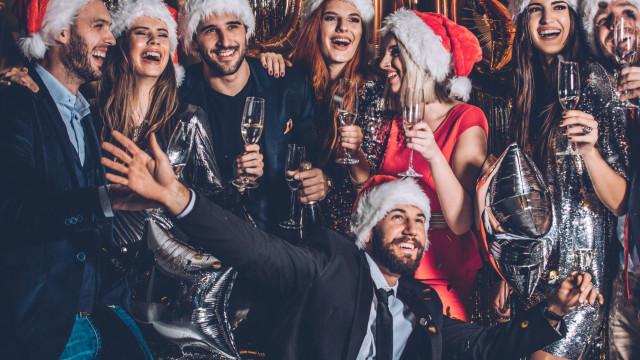 A maioria das traições ocorre durante o Natal, a ciência explica