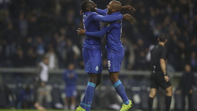 Passagem do FC Porto para os 'quartos' vale resultado histórico no Dragão