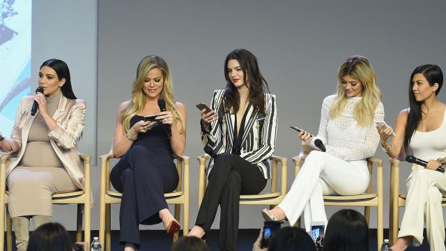 Clã Kardashian-Jenner: Uma delas continua na corrida para ser bilionária