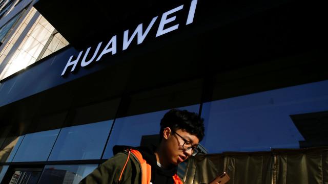 Huawei exporta 200 milhões de telemóveis em 2018 e regista recorde
