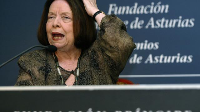 Novo livro de Nelida Piñon entre novidades editoriais da Temas e Debates