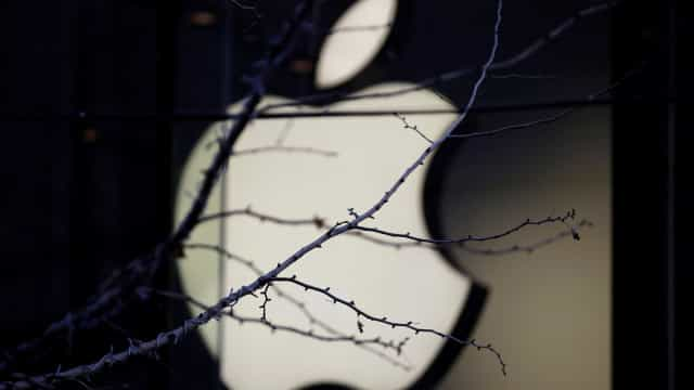 Apple afunda quase 10% na abertura em Wall Street
