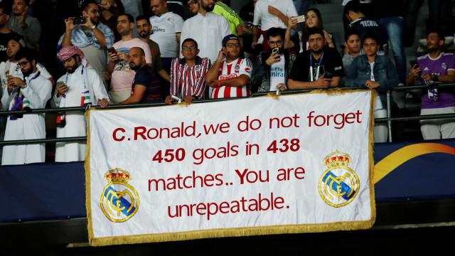 Real Madrid jogou a final e os adeptos enviaram mensagem... a Ronaldo