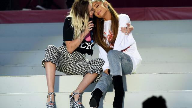 A mensagem que Miley Cyrus enviou a Ariana Grande após fim do noivado
