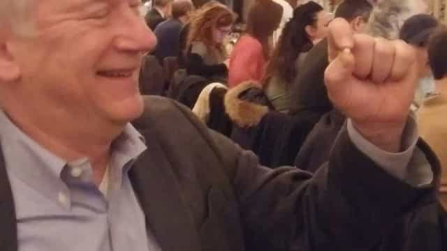 Pediu ostras para o almoço e encontrou pérola que pode valer 3 mil euros