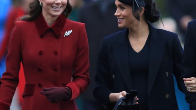 Sorridentes, Meghan Markle e Kate Middleton provam que fizeram as pazes