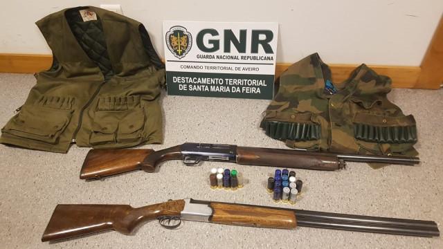 Detidos por andarem à caça junto a instalações industriais