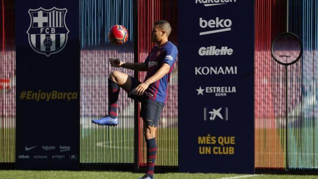 Há um leão na lista de 'flops' na defesa do Barcelona nos últimos 10 anos