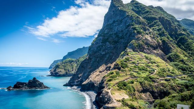 Madeirense morre após salvar turista que caiu ao mar