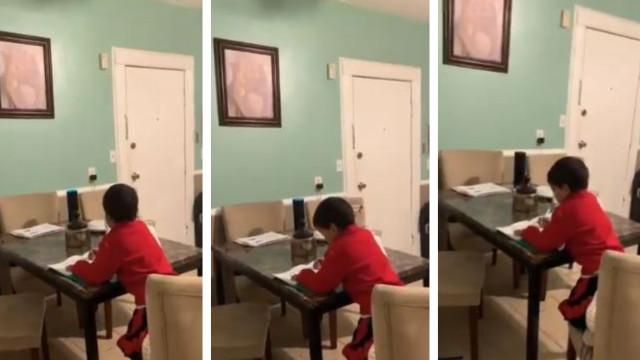 Menino finta mãe e faz trabalhos de casa com ajuda de assistente virtual
