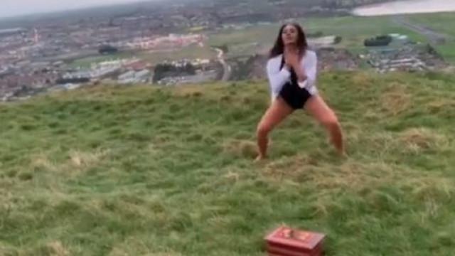 Bailarina dança em homenagem à mãe que morreu no dia de Natal