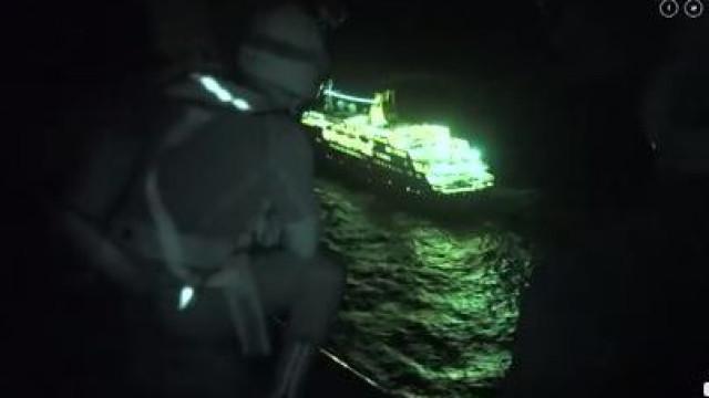 Força Aérea resgata britânico de navio ao largo do Funchal