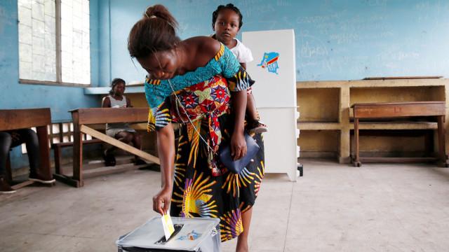 República Democrática do Congo: Detetadas anomalias na contagem de votos