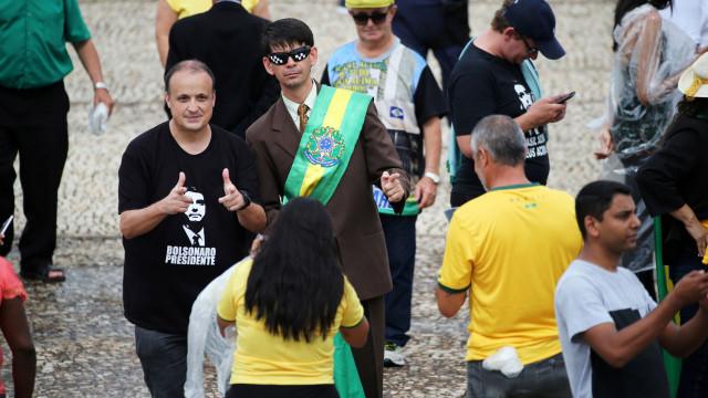 Exaltação e segurança severa na espera da tomada de posse de Bolsonaro