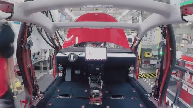 Tesla revela como é produzido o Model 3. Veja o vídeo