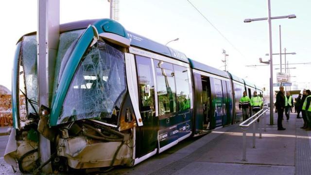Acidente de elétrico provoca vários feridos em Barcelona