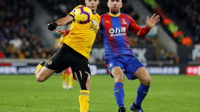 Wolves de Nuno sofrem derrota caseira diante do Crystal Palace