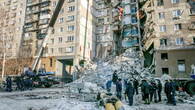 Terminado resgate em prédio que desabou na Rússia e fez 39 mortos