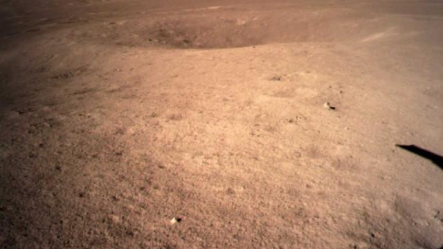 Sonda chinesa partilha fotografia do lado 'oculto' da Lua