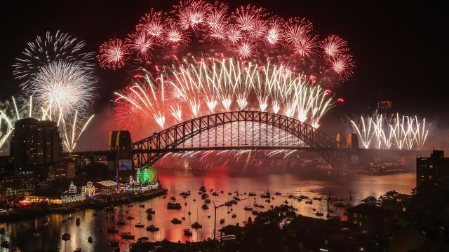 Austrália 'viajou' no tempo e entrou no Ano Novo a festejar... 2018