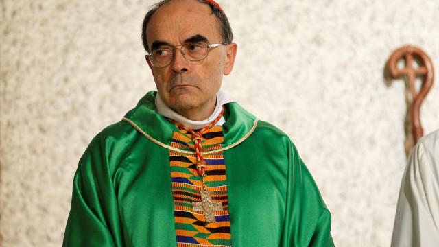 Prescrição de factos evitam condenação do cardeal francês Barbarin
