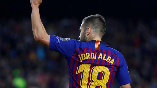 Juventus está em Espanha para levar lateral do Barcelona