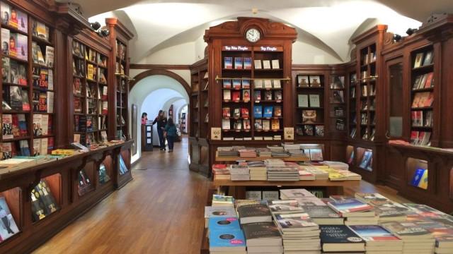 Livraria Bertrand do Chiado distinguida pela Câmara Municipal de Lisboa