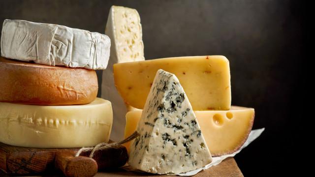 Afinal, por quanto tempo pode manter o queijo no frigorífico?