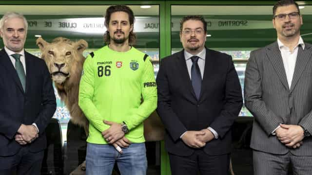Oficial: Skok renova contrato com o Sporting