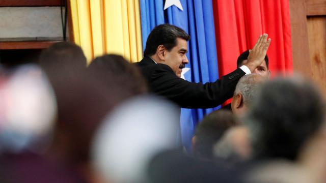 """Nicolas Maduro, um """"Presidente operário"""" que se apoia nos militares"""