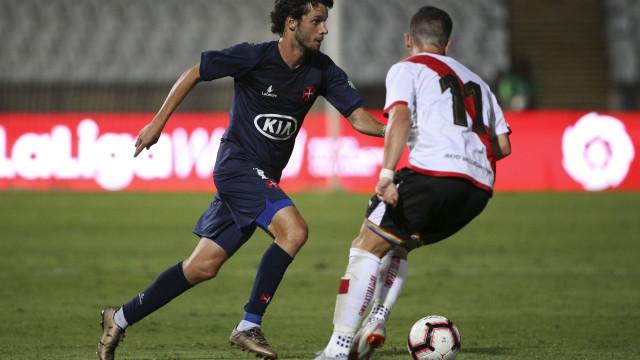 Sporting 'recompra' Chaby e cede médio ao Estoril Praia