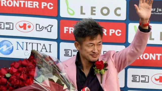 Kazu Miura renova com o Yokohama aos 51 anos de idade