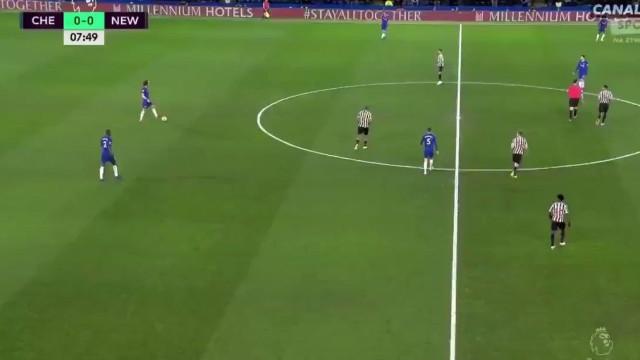 Passe teleguiado de David Luiz resulta em golo (soberbo) de Pedro